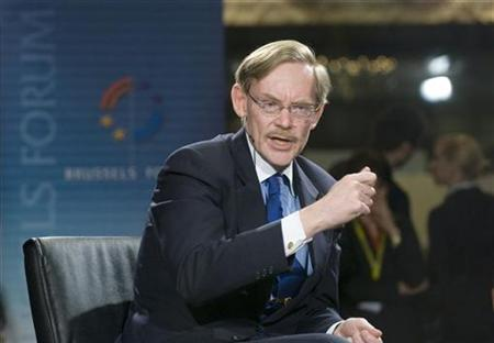 World Bank President Robert Zoellick gives a speech at the Transatlantic Brussels Forum, organized by the German Marshall Fund of the United States (GMF), in Brussels March 14, 2008. REUTERS/Jock Fistick