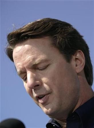 Democrat John Edwards looks down during a speech announcing he would withdraw his candidacy for US president in New Orleans, Louisiana January 30, 2008. REUTERS/Lee Celano