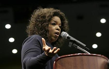 File photo shows Oprah Winfrey in Los Angeles, California, February 3, 2008. REUTERS/Danny Moloshok