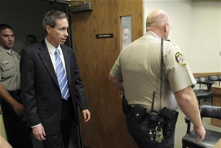 Polygamist sect leader Warren Jeffs arrives at court to hear the verdict against him in St. George, Utah, September 25, 2007. REUTERS/Jud Burkett/Pool