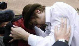 <p>Pete Doherty mentre arriva in tribunale a Londra, il 26 ottobre 2007. REUTERS/Alessia Pierdomenico</p>