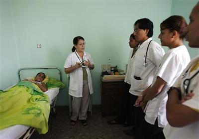 Cuba reorganizes family doctor program