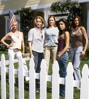 The cast of ABC's ''Desperate Housewives'' in an undated image. The show fell to a record low rating for an original episode as the suburban soap returned to the air on Sunday after being sidelined for more than three months by the writers strike. REUTERS/Handout