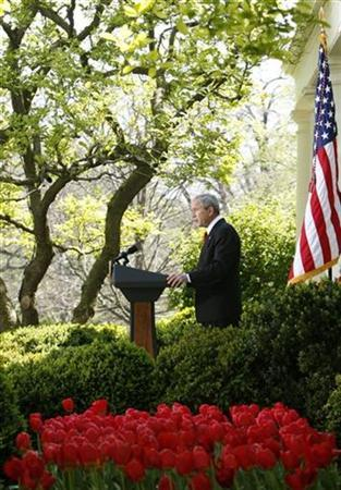 President Bush makes remarks on the climate in the Rose Garden at the White House in Washington, April 16, 2008. REUTERS/Jim Young