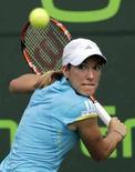 <p>Лидер мирового рейтинга WTA Жюстин Энен в финале турнира Sony Ericsson Open во Флориде 30 марта 2008 года. Ассоциация женского тенниса (WTA) опубликовала в понедельник новый рейтинг лучших теннисисток планеты. (REUTERS/Hans Deryk)</p>