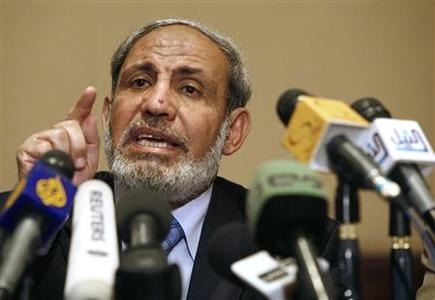 Senior Hamas leader Mahmoud Zahar talks during a Hamas news conference in Cairo April 24, 2008. REUTERS/Asmaa Waguih