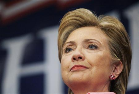 Democratic presidential candidate Senator Hillary Clinton (D-NY) campaigns at Duneland Falls Steel Workers Local Union Hall in Portage, Indiana, April 30, 2008. REUTERS/John Gress
