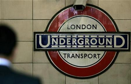 An underground sign is seen in London August 31, 2007. REUTERS/Alessia Pierdomenico