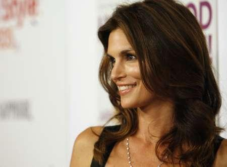Cindy Crawford smiles at the 4th annual Hollywood Style awards at the Pacific Design Center in Los Angeles October 7, 2007. REUTERS/Mario Anzuoni
