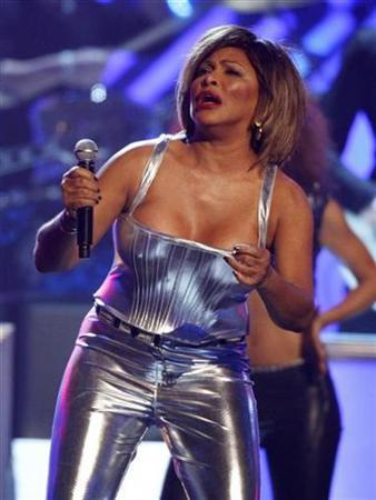 Tina Turner performs at the 50th Annual Grammy Awards in Los Angeles February 10, 2008. REUTERS/Mike Blake