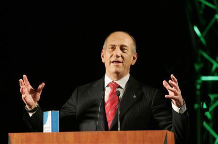 Israel's Prime Minister Ehud Olmert speaks during a news conference in Jerusalem, May 11, 2008. REUTERS/Baz Ratner