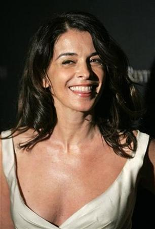 Actress Annabella Sciorra arrives for the National Board of Review of Motion Pictures Awards Gala in New York, January 9, 2007. REUTERS/Lucas Jackson