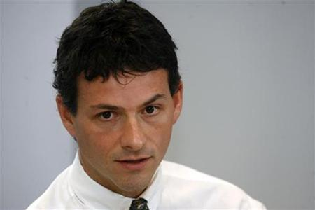 David Einhorn, President of Greenlight Capital, speaks at the Reuters Investment Outlook summit in New York December 11, 2006. REUTERS/Keith Bedford