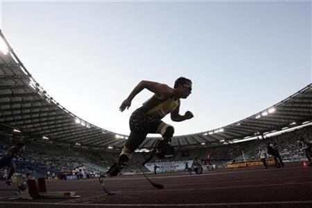 Pistorius competes in the men's 400 metres during the Golden Gala IAAF Golden League at the Olympic Stadium in Rome July 13, 2007. REUTERS/Alessandro Bianchi