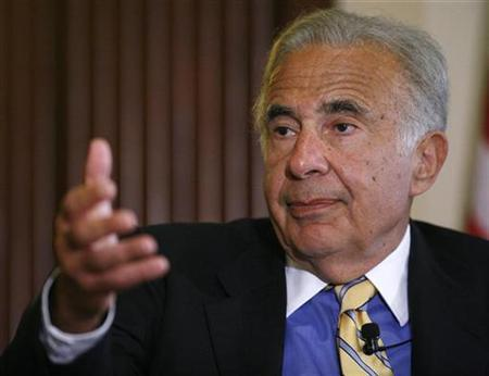 Investor Carl Icahn speaks at the New York Stock Exchange, June 27, 2007. Third Point LLC, a $5.7 billion hedge fund headed by activist Dan Loeb, has recently accumulated a stake of over 5 million shares in Yahoo and is supporting Icahn's proxy battle, a source familiar with the matter said on Tuesday. REUTERS/Chip East (UNITED STATES)