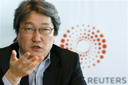 Hoya's Chief Executive Hiroshi Suzuki speaks at the Reuters Global Technology, Media and Telecoms Summit in Tokyo May 21, 2008. REUTERS/Kiyoshi Ota