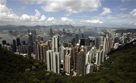 Hong Kong skyline is seen from the Peak, in Hong Kong May 30, 2007. REUTERS/Paul Yeung
