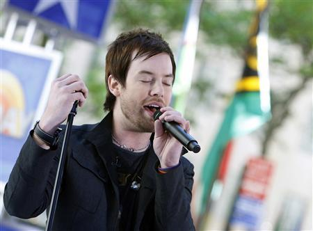American Idol winner David Cook performs on NBC's ''Today'' show in New York, May 29, 2008. REUTERS/Brendan McDermid