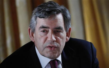 Prime Minister Gordon Brown speaks during a meeting with oil industry leaders in Banchory, May 28, 2008. REUTERS/Danny Lawson/Pool