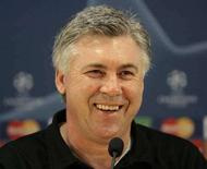 <p>L'allenatore del Milan Carlo Ancelotti durante una recente conferenza stampa. REUTERS/Alessandro Garofalo (ITALY)</p>
