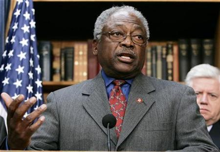 U.S. House Majority Whip Rep. James Clyburn (D-SC) discusses the House Democrats 100 Hours Agenda on Capitol Hill in Washington January 10, 2007. REUTERS/Larry Downing
