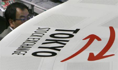 6月3日、ゴールドマン・サックス証券(GS証券)は、米国投資家の間で、日本株の「持たざるリスク」に対する懸念が増しており、ウエートの見直しを迫られる可能性があるとのリポートを発表。写真は東京証券取引所で。昨年2月撮影(2008年 ロイター/Toshiyuki Aizawa)