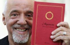 <p>Un ritratto dello scrittore brasiliano Paulo Coelho. REUTERS/Eloy Alonso</p>