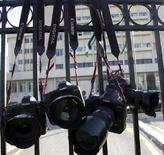 <p>Alcune macchine fotografiche Canon. REUTERS/Muhammad Hamed</p>