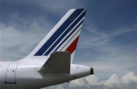 The tail of an Air France passenger jet, is seen at Nice international airport June 3, 2008. REUTERS/Eric Gaillard