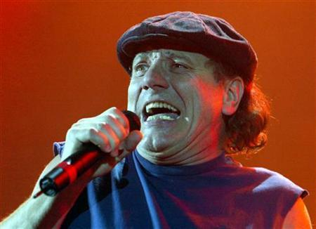 Australian rock group AC/DC's lead singer Brian Johnson performs during the band's concert at the Hammersmith Apollo, London, October 21, 2003. REUTERS/Toby Melville
