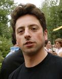 <p>Passer du statut d'internaute à celui d'astronaute, c'est le rêve de Sergey Brin, co-fondateur de Google, qui a versé un acompte de 5 millions de dollars pour réserver sa place dans un futur voyage orbital de l'agence de tourisme spatial Space Adventures. /Photo d'archives/REUTERS/Rick Wilking</p>
