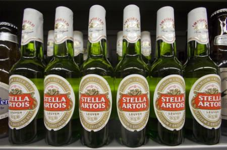 Bottles of Stella Artois beer, a brand of InBev, are displayed for sale at a store in Hong Kong's Sheung Wan district June 12, 2008. REUTERS/Victor Fraile