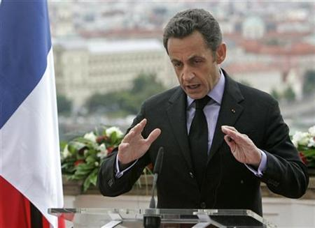 France's President Nicolas Sarkozy gestures as he makes his speech during the Visegrad 4+1 Summit in Prague, June 16, 2008. REUTERS/David W Cerny