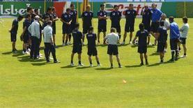 <p>Gli azzurri durante un allenamento. REUTERS/Tony Gentile (AUSTRIA)</p>