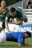 <p>Immagine d'archivio di un incontro di rugby Italia-Sudafrica. REUTERS/Mihai Barbu (ROMANIA)</p>