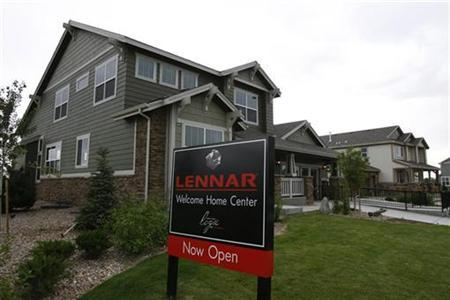 A Lennar housing development is seen in Broomfield, Colorado June 26, 2007. REUTERS/Rick Wilking