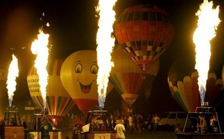 High helium prices limit gas balloons as sport | Reuters