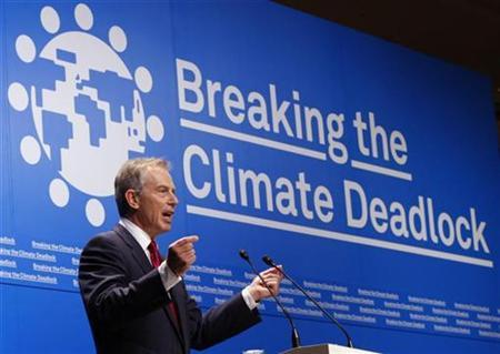 Britain's former prime minister Tony Blair makes a speech at a news conference for ''Breaking the Climate Deadlock'' in Tokyo June 27, 2008. REUTERS/Kim Kyung-Hoon