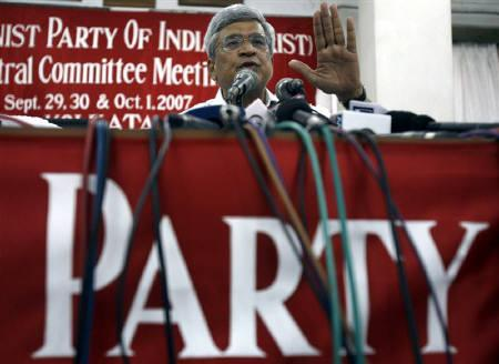 Chief of the Communist Party of India (Marxist) (CPI-M) Prakash Karat speaks during a news conference in Kolkata October 1, 2007. REUTERS/Parth Sanyal/Files