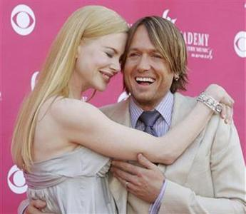 Actress Nicole Kidman and husband Keith Urban arrive at the 43rd Annual Academy of Country Music Awards show in Las Vegas, May 18, 2008. REUTERS/Richard Brian