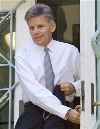 Congressman Gary Condit (D-CA) leaves his apartment building in Washington, in this July 12, 2001 file photo. REUTERS/Larry Downing