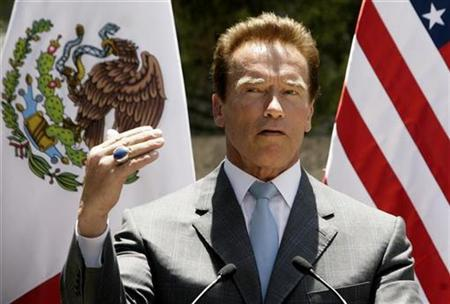 California Governor Arnold Schwarzenegger speaks after meeting with border governors from U.S. and Mexican states at the official residence Los Pinos in Mexico City, May 29, 2008. REUTERS/Daniel Aguilar