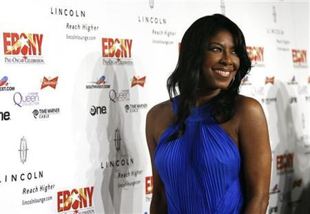 Singer Natalie Cole poses at the Ebony magazine pre-Oscar party at Boulevard 3 in Hollywood, California February 21, 2008. REUTERS/Mario Anzuoni