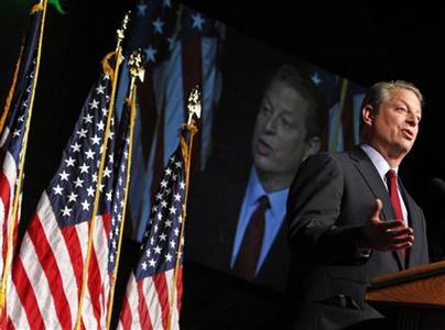 Former U.S. presidential candidate Al Gore delivers a speech on America's future energy needs in Washington, July 17, 2008. REUTERS/Jim Young