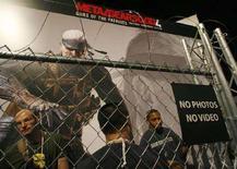 <p>Lo stand della Konami a Los Angeles, dove si poteva provare Metal Gear Solid 4 REUTERS/Fred Prouser</p>