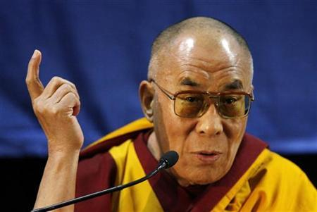 Tibetan spiritual leader Dalai Lama gives a speech during a news conference in Sydney June 12, 2008. REUTERS/Daniel Munoz