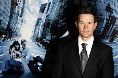 Mark Wahlberg arrives for the premiere of the film ''The Happening'' in New York June 10, 2008. REUTERS/Lucas Jackson
