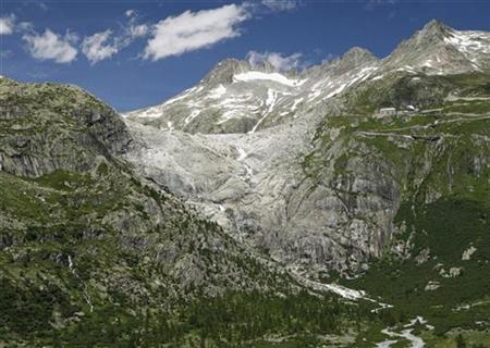 The Rhone glacier is pictured in the Swiss Alps at the Furkapass July 5, 2008. A drastic cooling of the climate in western Europe happened exactly 12,679 years ago, apparently after a shift to icy winds over the Atlantic, scientists said on Friday, giving a hint of how abruptly the climate can change. REUTERS/Denis Balibouse