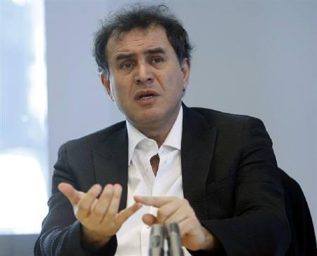 8月3日、米エコノミストでニューヨーク大教授のルービニ氏は数百の米銀が破たんし納税者負担が215兆円に達する可能性を指摘。2月19日撮影(2008年 ロイター/Chip East)
