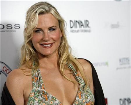 Actress Daryl Hannah poses as she arrives at the Odd Molly Spring/Summer 2008 fashion show in West Hollywood, California August 12, 2007. REUTERS/Mario Anzuoni